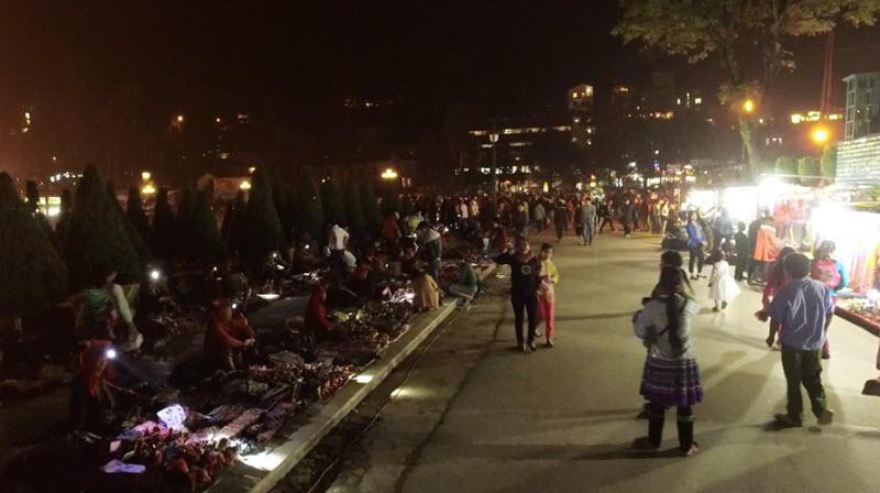 chợ đêm du lịch Sapa