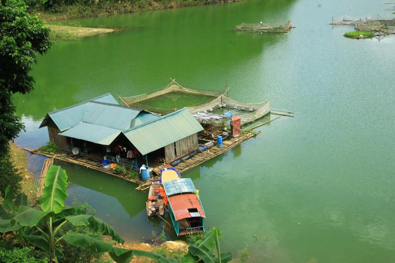 thuyền sông đà
