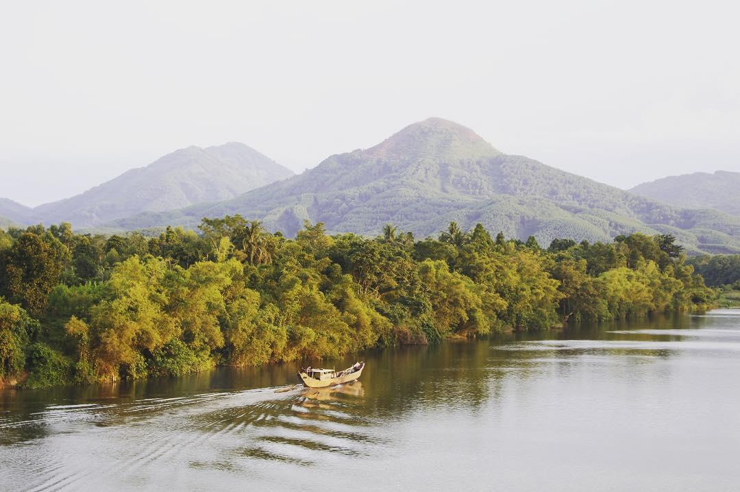 Địa điểm du lịch Huế - Sông Hương