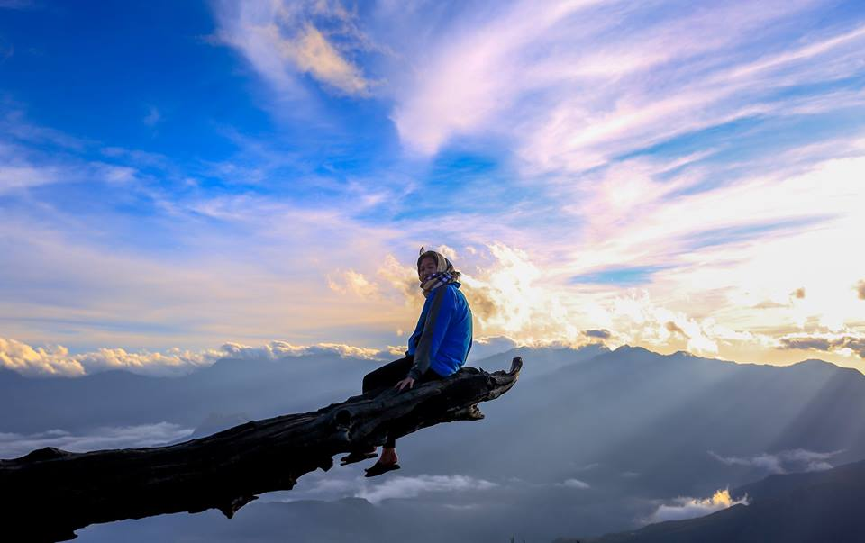 tour trekking lao than