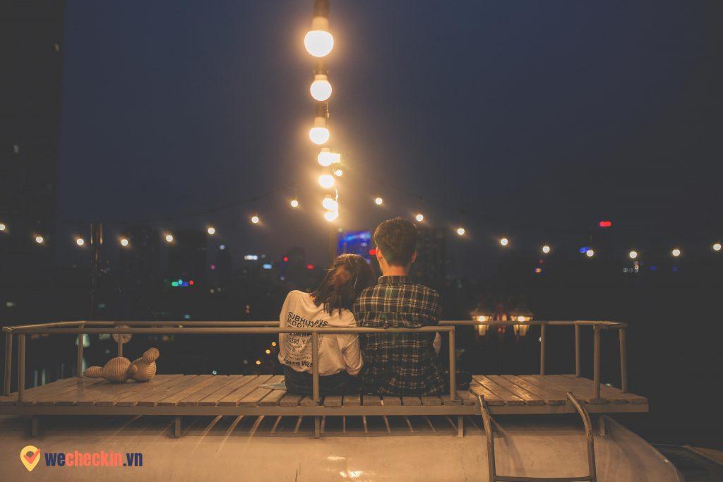 Sam Rooftop Coffee Không gian lãng mạn trên nóc xe Van
