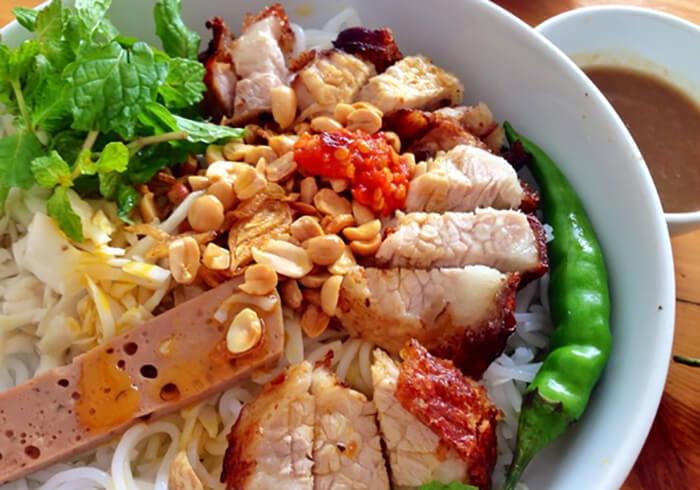 Món bún mắm Đà Nẵng