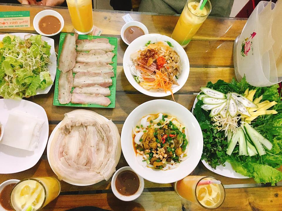 Ẩm thực Đà Nẵng ổi tiếng với bánh tráng cuốn thịt heo