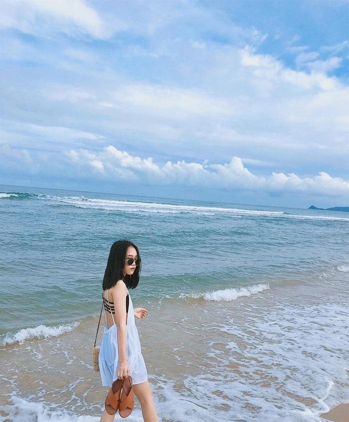 Bãi tắm Minh Châu - du lịch Quan Lạn