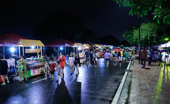 Phố đi bộ Trịnh Công Sơn - địa điểm chơi Trung thu Hà Nội