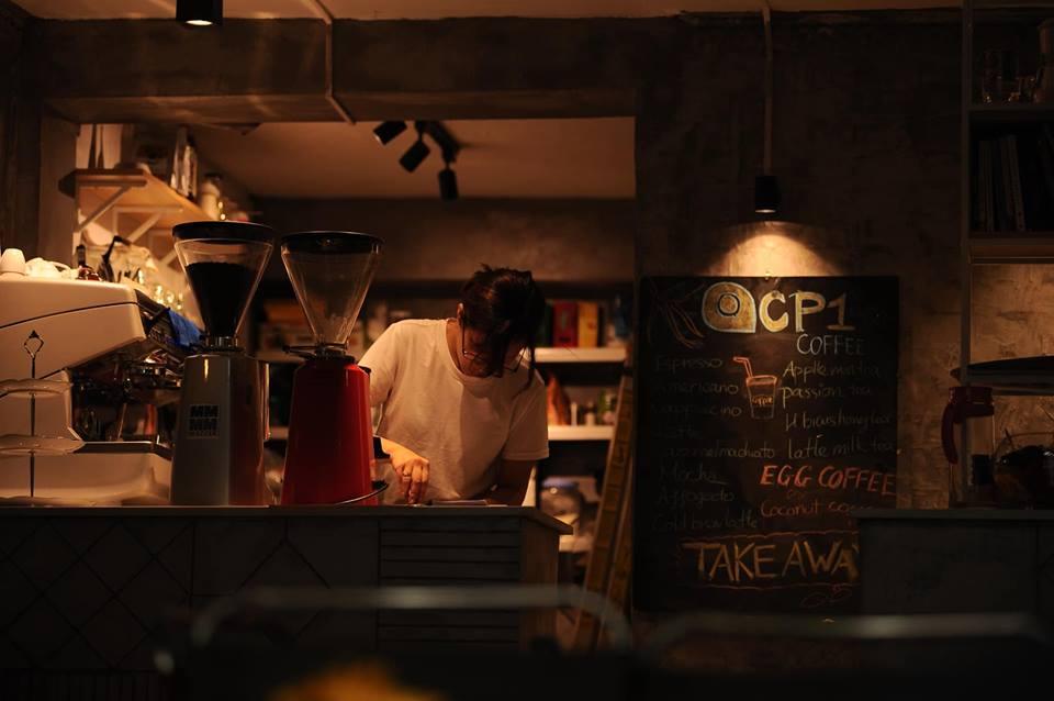 Quầy order tại CP1 Coffee - cà phê dịp lễ 2/9