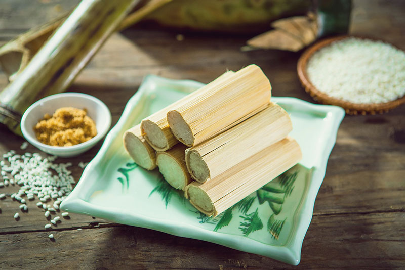 Cơm lam là món ăn đặc sản của người đồng bào Tây Bắc