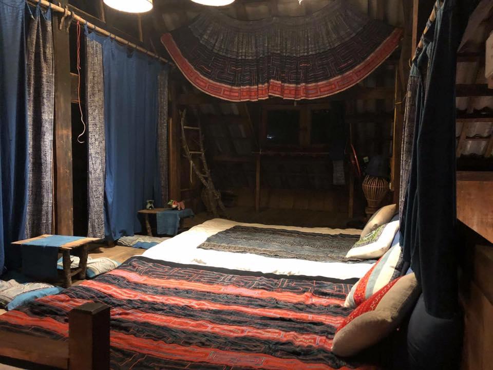 -ngôi nhà gỗ trong bản Tả Van