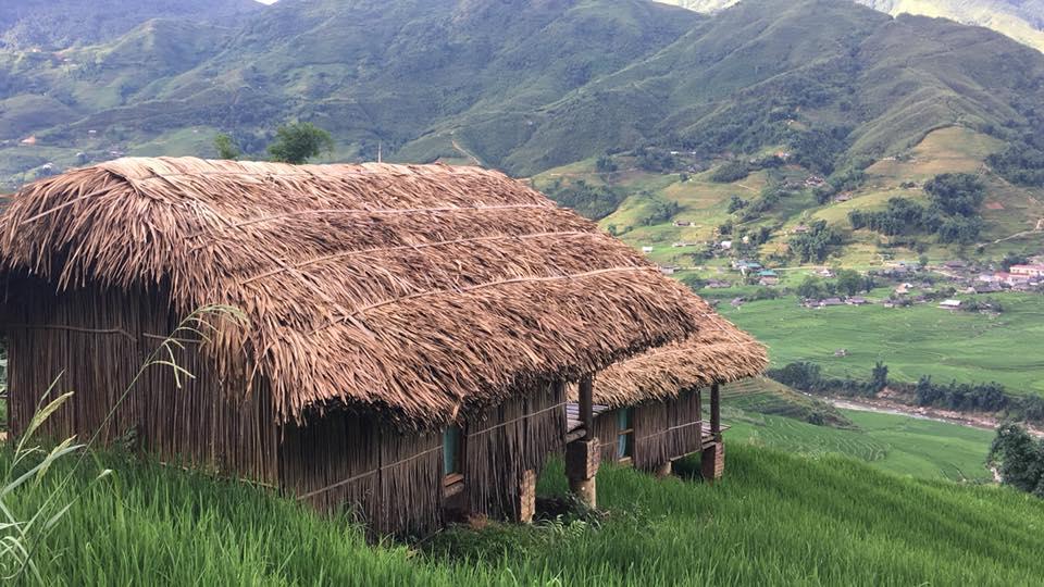 Tất cả các bungalow đều sử dụng vật liệu gỗ, tre, mái lá,... trông giản dị tạo nên không gian mát mẻ vào mùa hè, ấm áp khi đông đến. Homestay đẹp ở Sapa