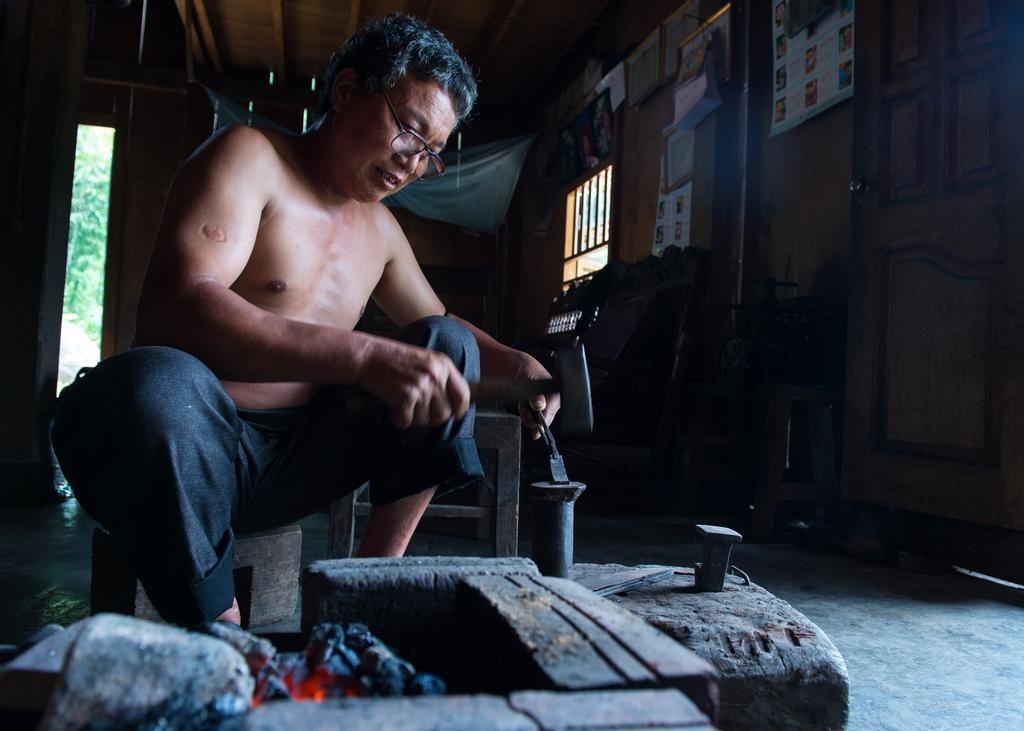 Khu homestay này được sở hữu bởi một trong những gia đình người Dao Đỏ lâu đời nhất ở Nậm Cang đó là gia đình nhà ông Phu.