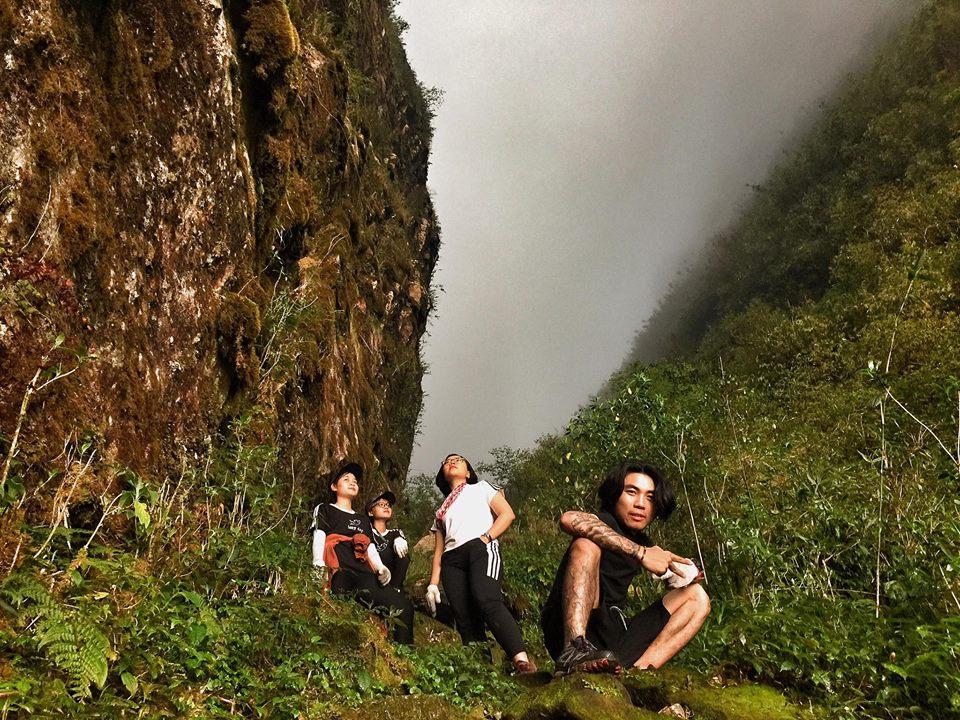 Trekking Ngũ Chỉ Sơn - Một ngọn núi với cung đường leo không quá dài nhưng nó là một thách thức không nhỏ cho những ai muốn chinh phục.