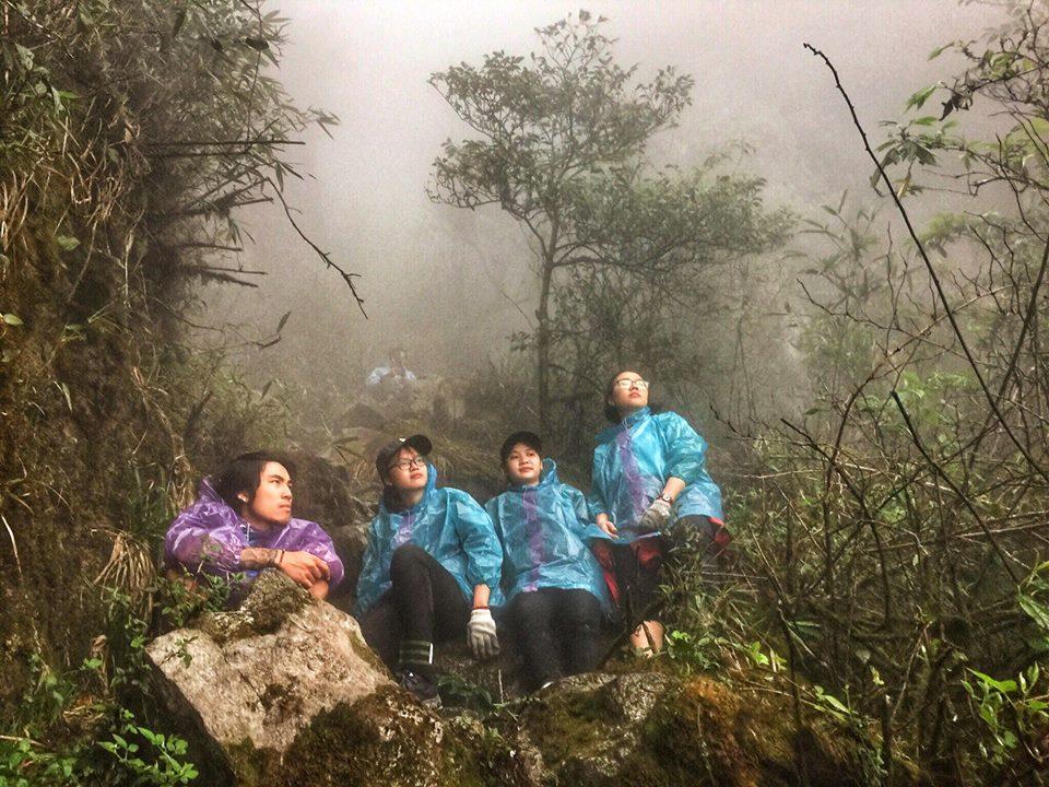 Ngũ Chỉ Sơn được mệnh danh là ngọn núi đẹp nhất vùng Tây Bắc, là một điểm đến ưa thích của những người đam mê bộ môn mạo hiểm leo núi.