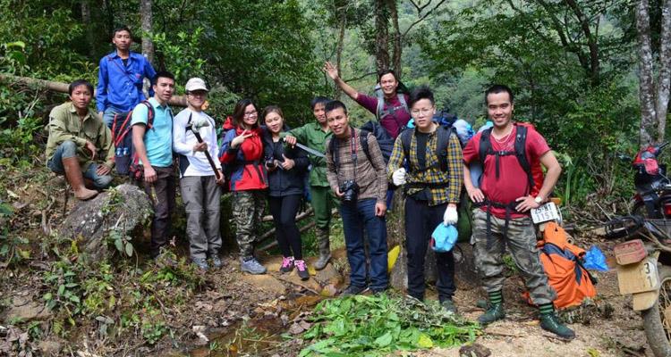 Nên thuê porter khi trekking