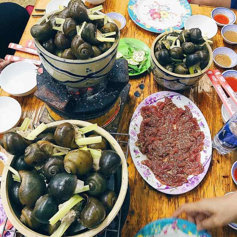 Đến Đà Lạt ăn gì? Ốc bươu nhồi thịt