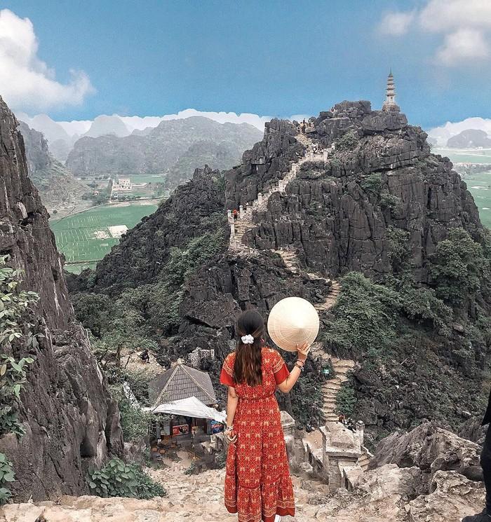 Hang Múa nằm trong Quần thể di sản thế giới Tràng An