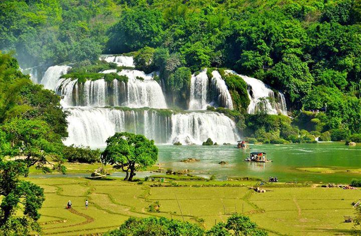 Thác Bản Giốc là thác nước lớn thứ 4 trên thế giới trong các nước nằm trên một đường biên giới giữa các quốc gia. thác bản giốc cách Hà Nội bao xa?