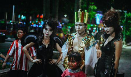 Công viên văn hóa Đầm Sen đêm Halloween