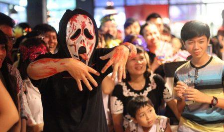 Chơi Halloween ở đâu Sài Gòn - Phố đi bộ Nguyễn Huệ Sài Gòn