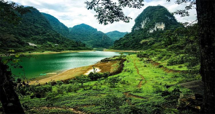 Hồ Thang Hen, được mệnh danh là