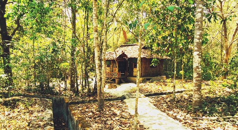 Khu văn hóa lịch sử Chàng Riệc nằm ở đường 793, ấp Bàu Bền, xã Thạnh Bắc, huyện Tân Biên, tỉnh Tây Ninh.