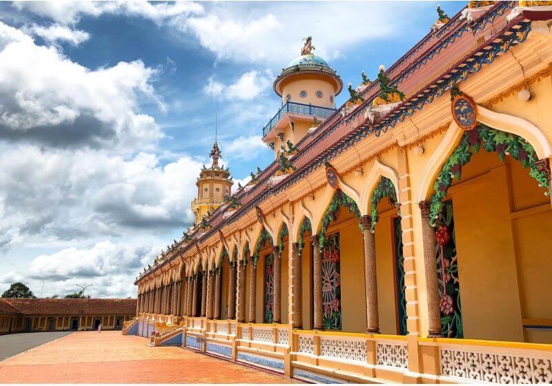 Là thánh địa lớn nhất của tôn giáo Cao Đài, nơi đây hằng năm thu hút hàng triệu lượt khách du lịch tham quan và hành hương.