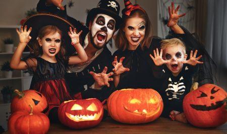 Halloween hóa trang thành nhân vật gì cho độc đáo để trở thành người nổi trội nhất đêm