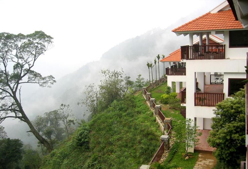 Khu nghỉ dưỡng đã nổi tiếng từ 100 năm nay, nằm trên độ cao 1.200m với khí hậu quanh năm mát mẻ, phong cảnh tuyệt đẹp.