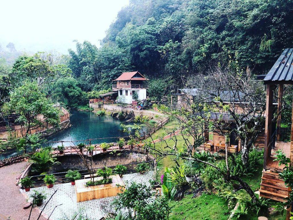 Nhà bên suối không chỉ là chốn thơ mộng thích hợp cho các cặp đôi mà homestay còn là nơi tuyệt vời dành cho những ai yêu thích cuộc sống núi rừng, hòa mình vào với thiên nhiên.