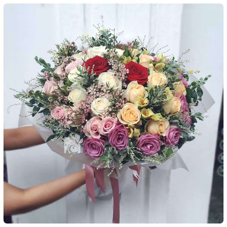 Những bó hoa tươi rực rỡ