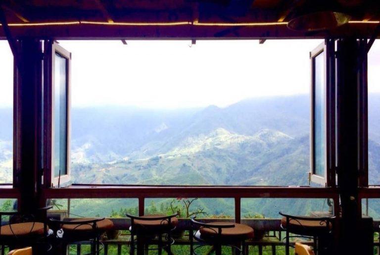 Đúng như tên gọi, đây là quán cà phê nằm trong mây thuộc top những quán cafe view đẹp nhất Sapa.