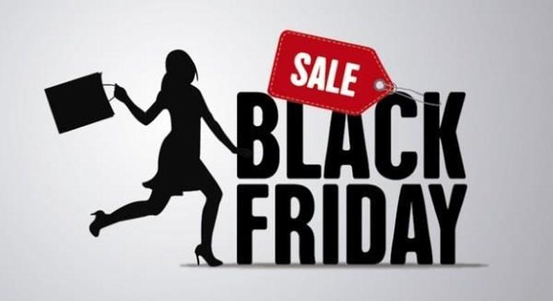 Các cửa hàng đều mở cửa từ rất sớm với hàng loại các mặt hàng giảm giá cực sâu từ 30% - 50% thậm chí là 70% để lôi kéo khách hàng. Nó tương tự như Ngày độc thân của Trung Quốc (11/11).
