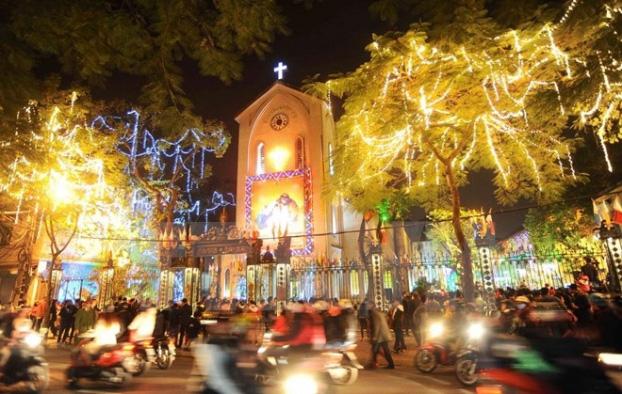Đi chơi Noel tại Hà Nội - Nhà thờ Cửa Bắc