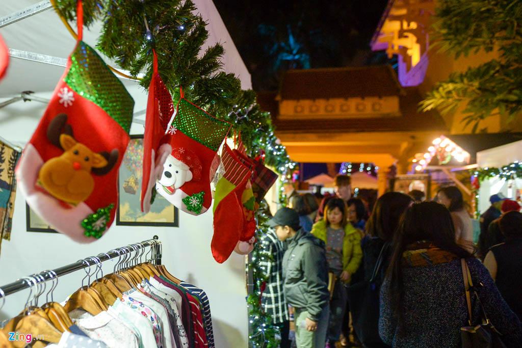 Hội chợ Giáng sinh tại nhà thờ Cửa Bắc