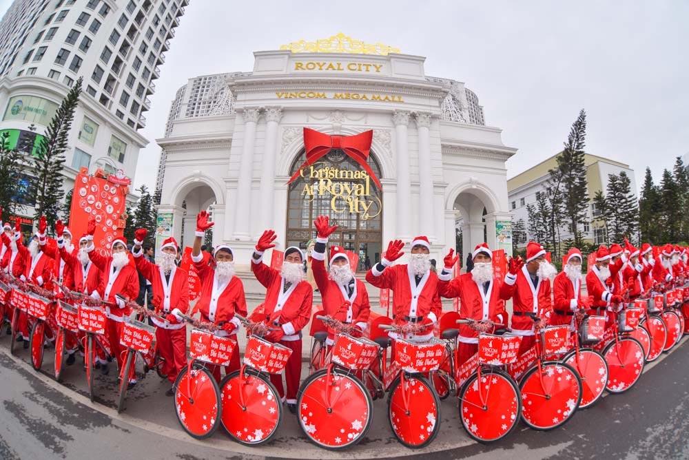 Đi chơi Noel tại Hà Nội - Royal City