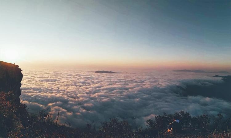 đỉnh Pha Luông