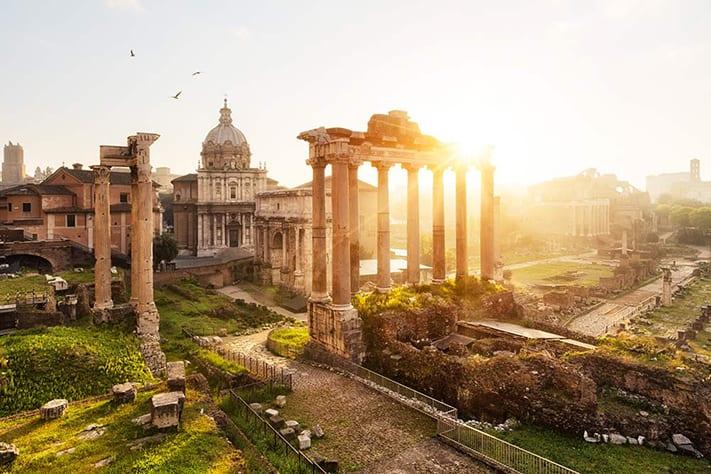 Vậy để có thể thuận lợi trong hành trình đi du lịch nước Ý thì cần phải có những gì?
