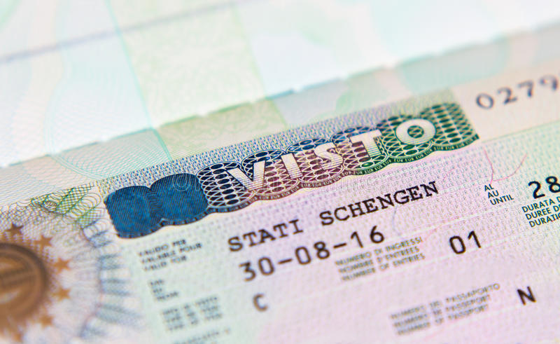 Hộ chiếu có dấu VISA Schengen – vật bất ly thân khi muốn đi du lịch Ý