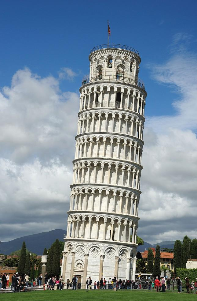 Tháp nghiêng Pisa - Điểm tham quan nổi tiếng khi du lịch Ý