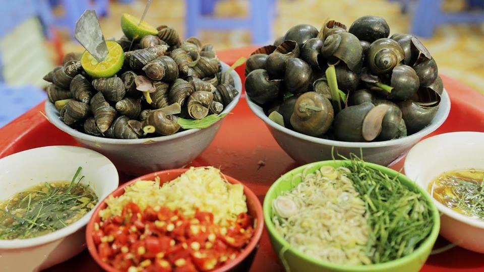 Mùa đông Hà Nội ăn gì ngon? Ốc luộc