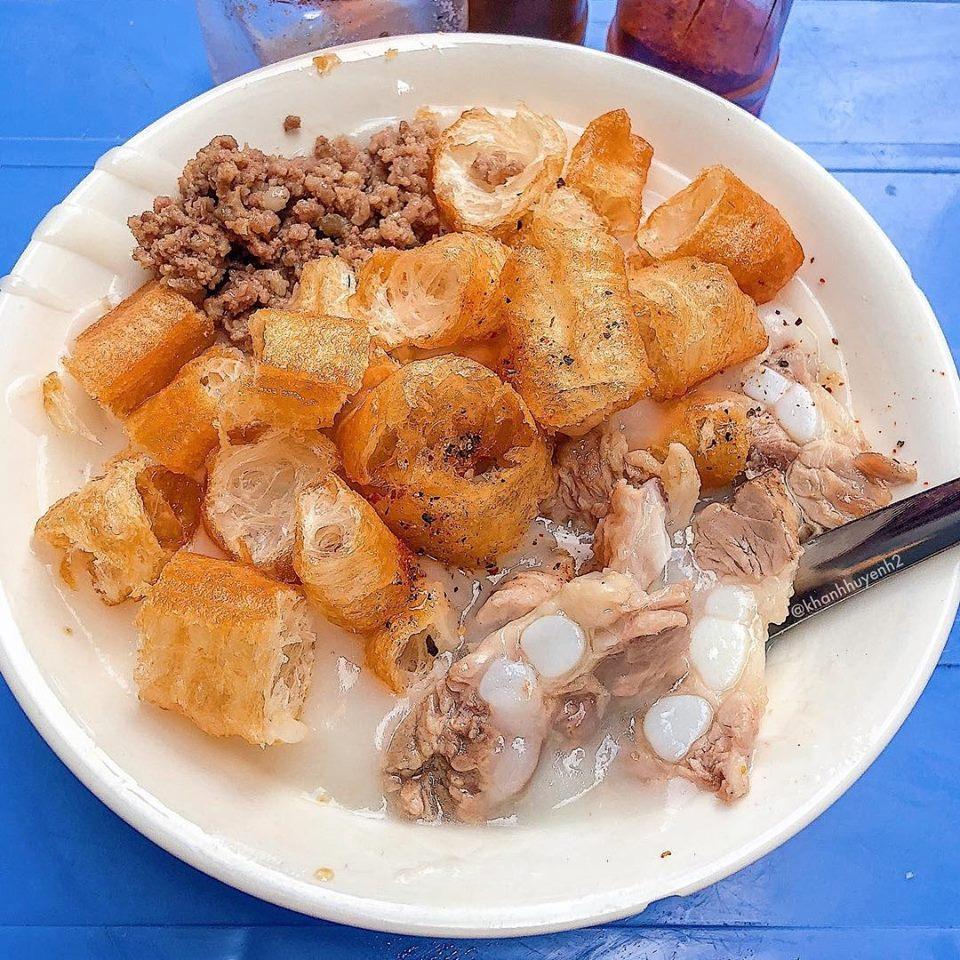 Mùa đông Hà Nội ăn gì ngon? Cháo sườn