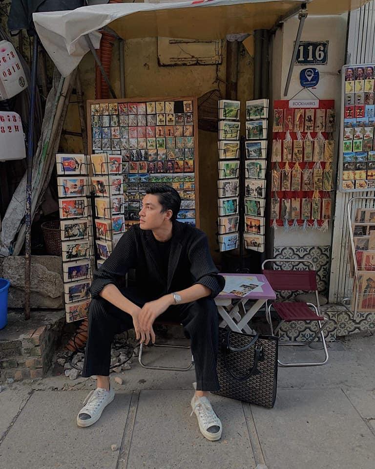Giữa thành phố Hà Nội ồn ào, hiện đại có một góc nhỏ hiện lên những nét Hà Nội xưa khiến nhiều người thích thú.