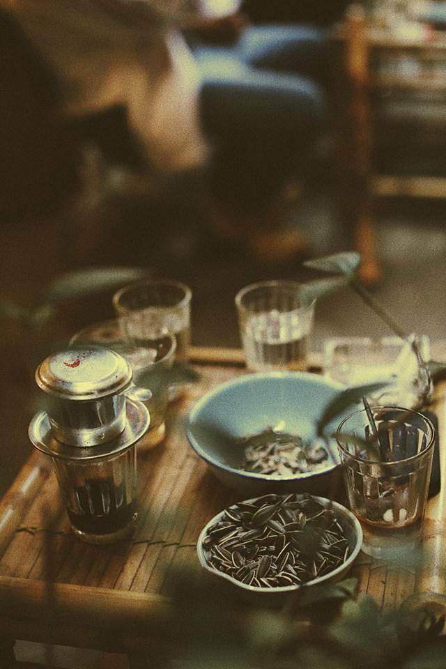 Đồ uống rất đa dạng, thơm ngon khiến ta lưu luyến mãi chẳng quên. Hãy đến và cảm nhận không gian nhẹ nhàng, yên tĩnh của quán nhé.