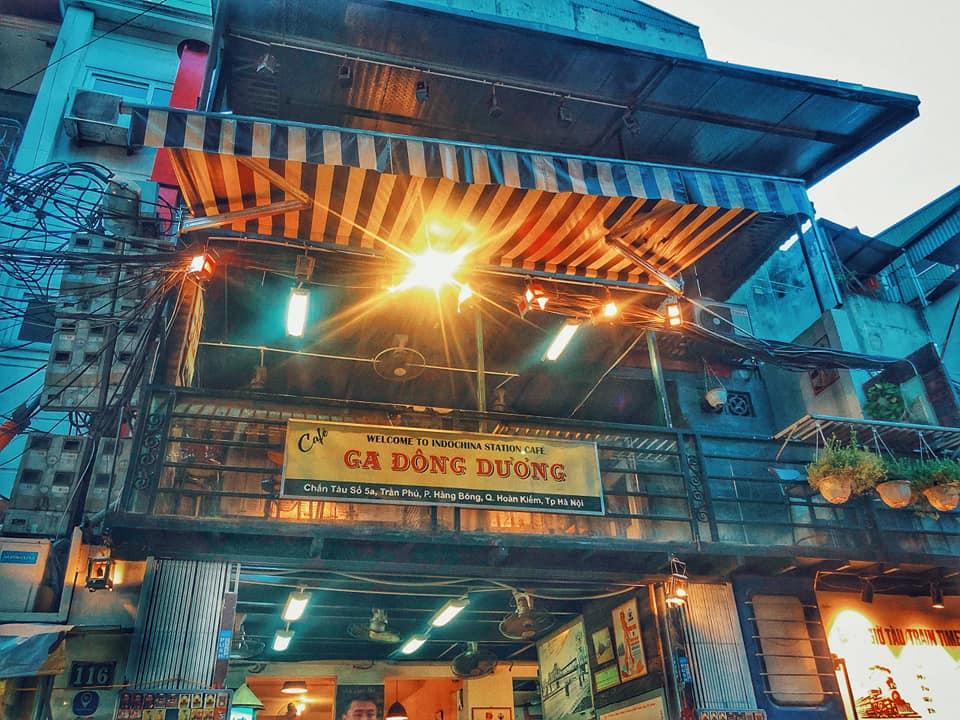Cafe Đông Dương là quán cafe bao cấp Hà Nội luôn thu hút những khách du lịch bởi sự độc đáo mà ít quán nào có được.