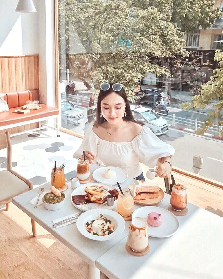Quán cafe đẹp ở Hà Nội - C'est si Bon