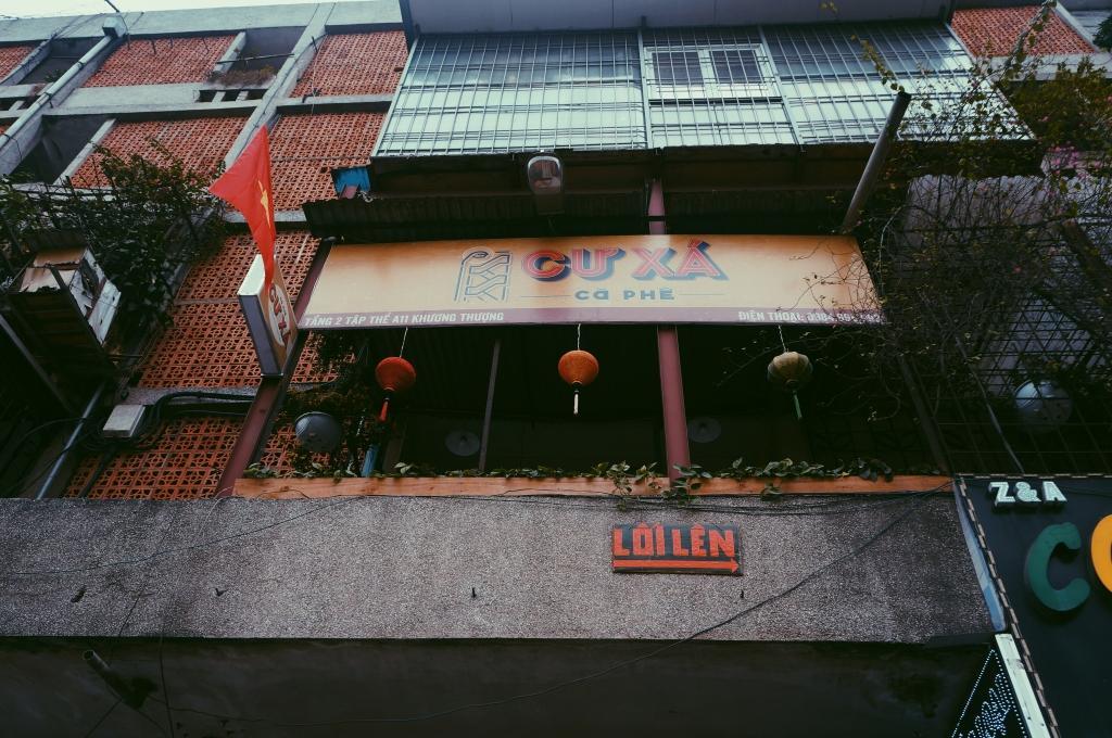 Quán cafe vintage Cư Xá nhìn từ dưới lên