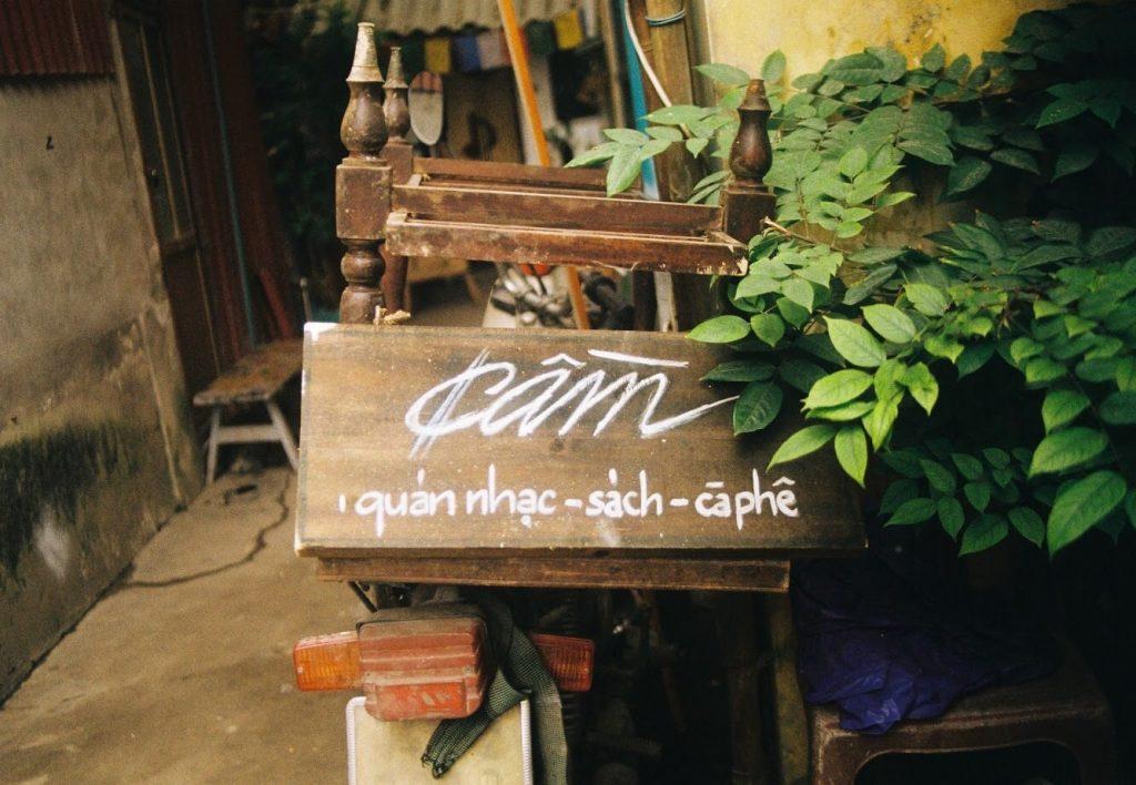 Quán Cầm là một nét trầm trong lòng Hà Nội ồn ã, là địa điểm lý tưởng dành cho những ai muốn tìm chút bình yên.