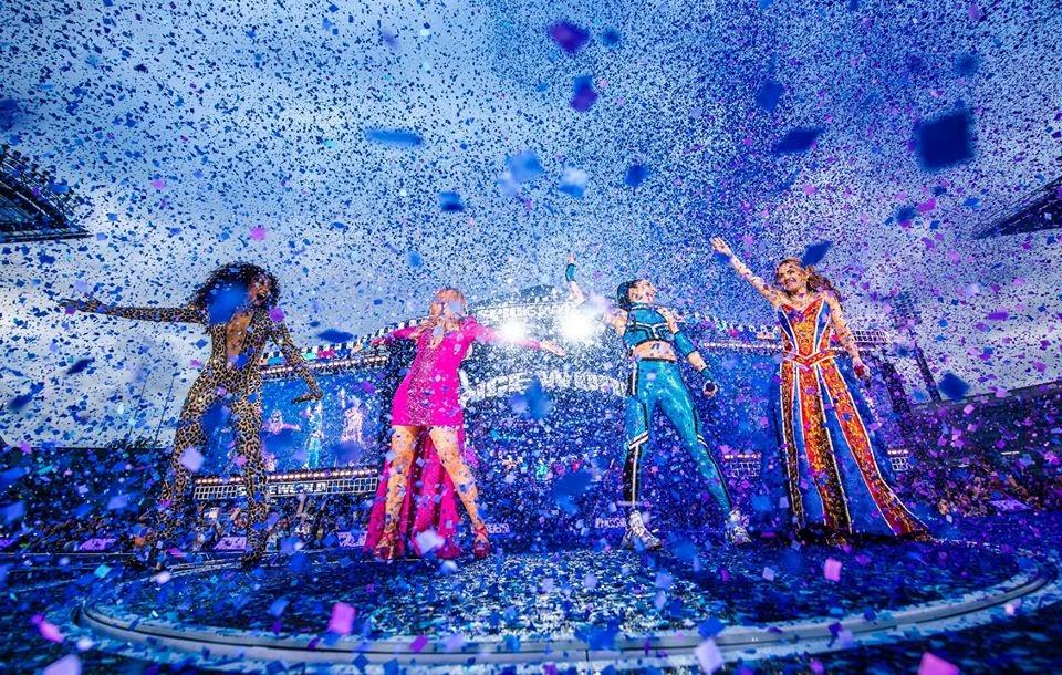 Những ca sĩ nổi tiếng biểu diễn ăn mừng sau khi khép lại các mùa giải tại sân Wembley
