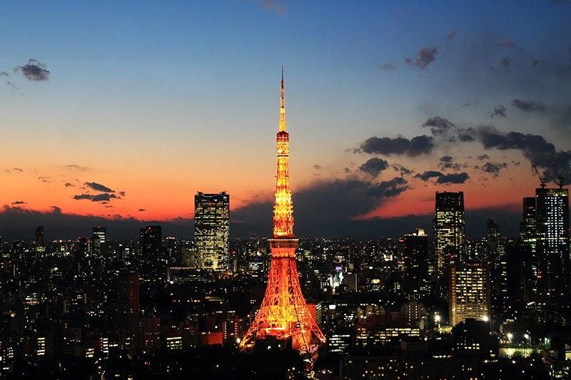 Tháp Tokyo lộng lẫy về đêm