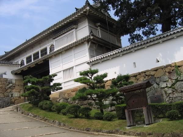 Lối vào lâu đài Himeji