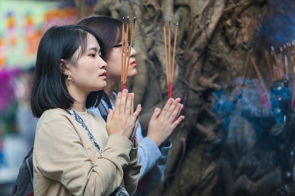 Đi chùa nào cầu tình duyên